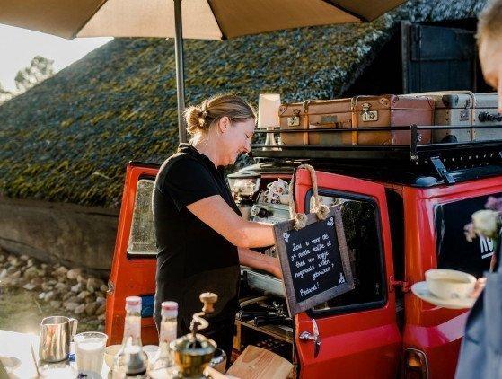 Koffie en Thee van de Kofferbakker: 'Bruilofts Middagarrangement' drinken- bruiloft