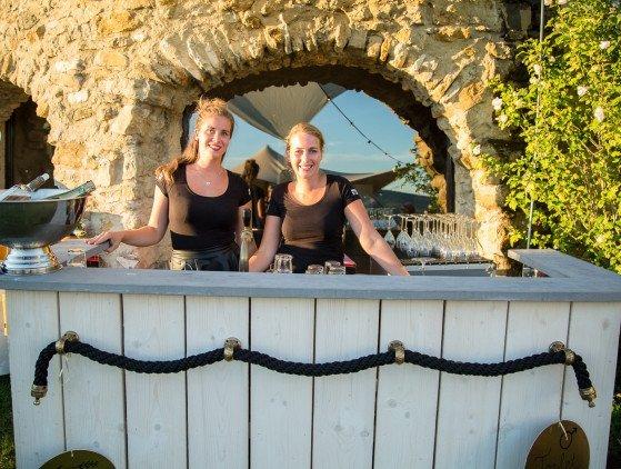 Trouwen in het buitenland Trouwen in de natuur van Zuid-Frankrijk, tussen de graan- en wijnvelden...