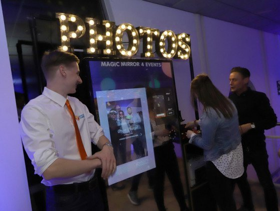 Magic Mirror Fotospiegel wedding- photobooth- bruiloft- activatie- promotie