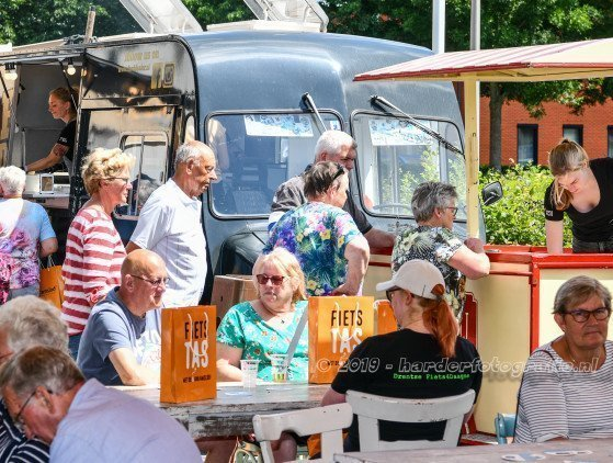 """""""Food Truck Festival""""   Arrangement met 3 Food Trucks!"""