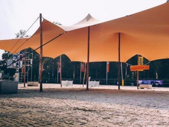 Stretchtent 10 x 15 meter, zandkleurig