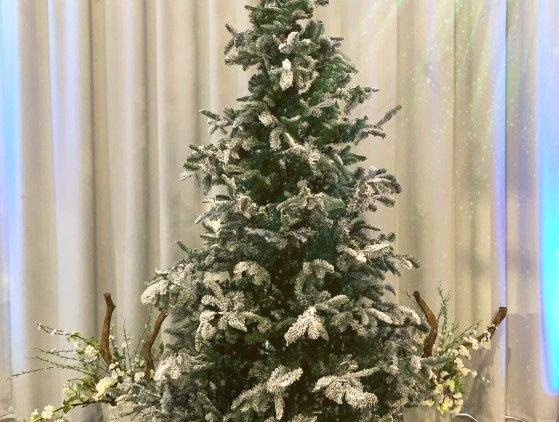 """Kerstboom """"Snow"""" 300cm kerst- winter"""