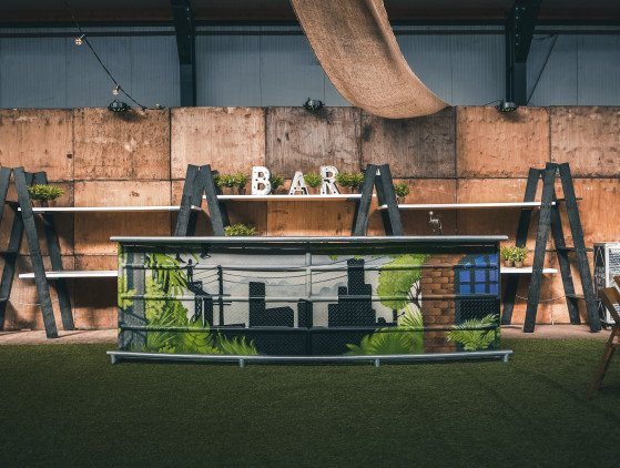 """Urban Jungle"" Bar"