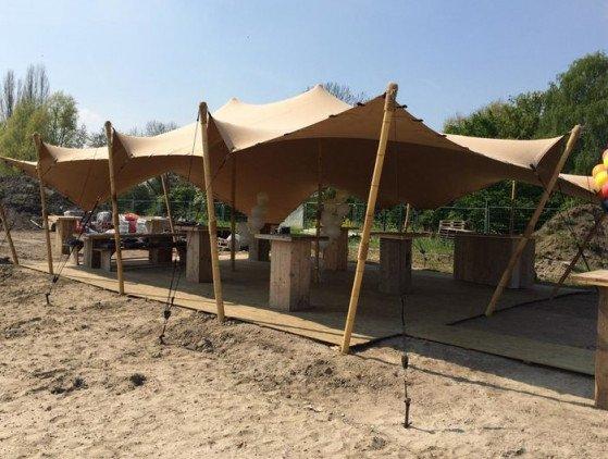 Stretchtent 12 x 18 meter, zandkleurig